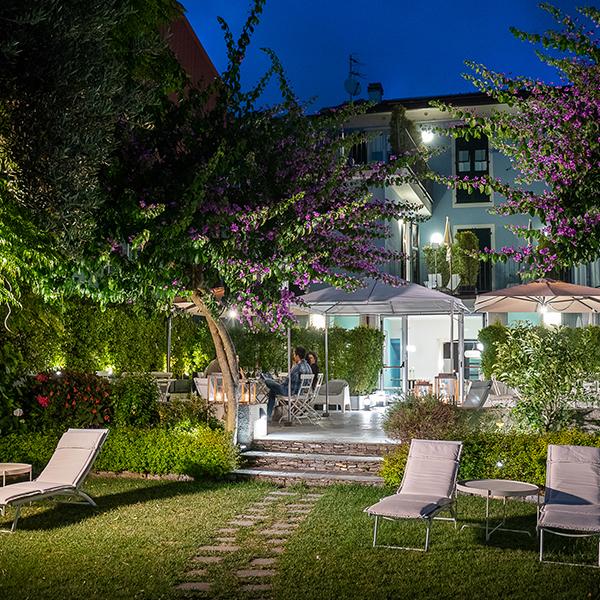 giardino hotel riviera levante notte
